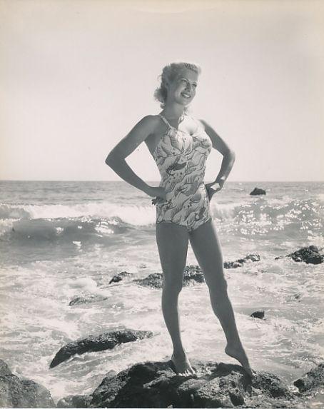 Chili Williams at the beach