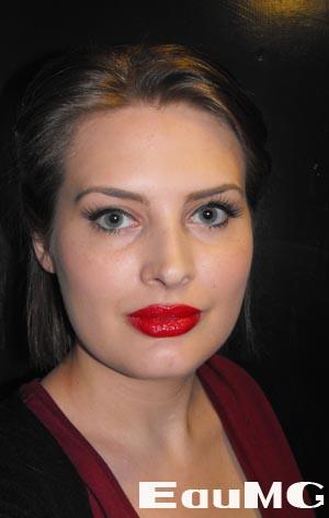 Get a 1940's makeup look