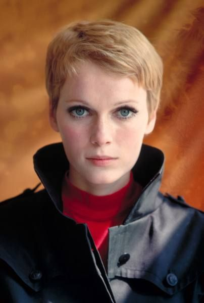 Mia Farrow eye makeup